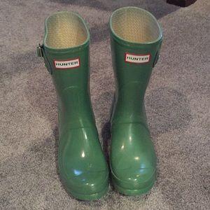 Hunter half size rain boots - green